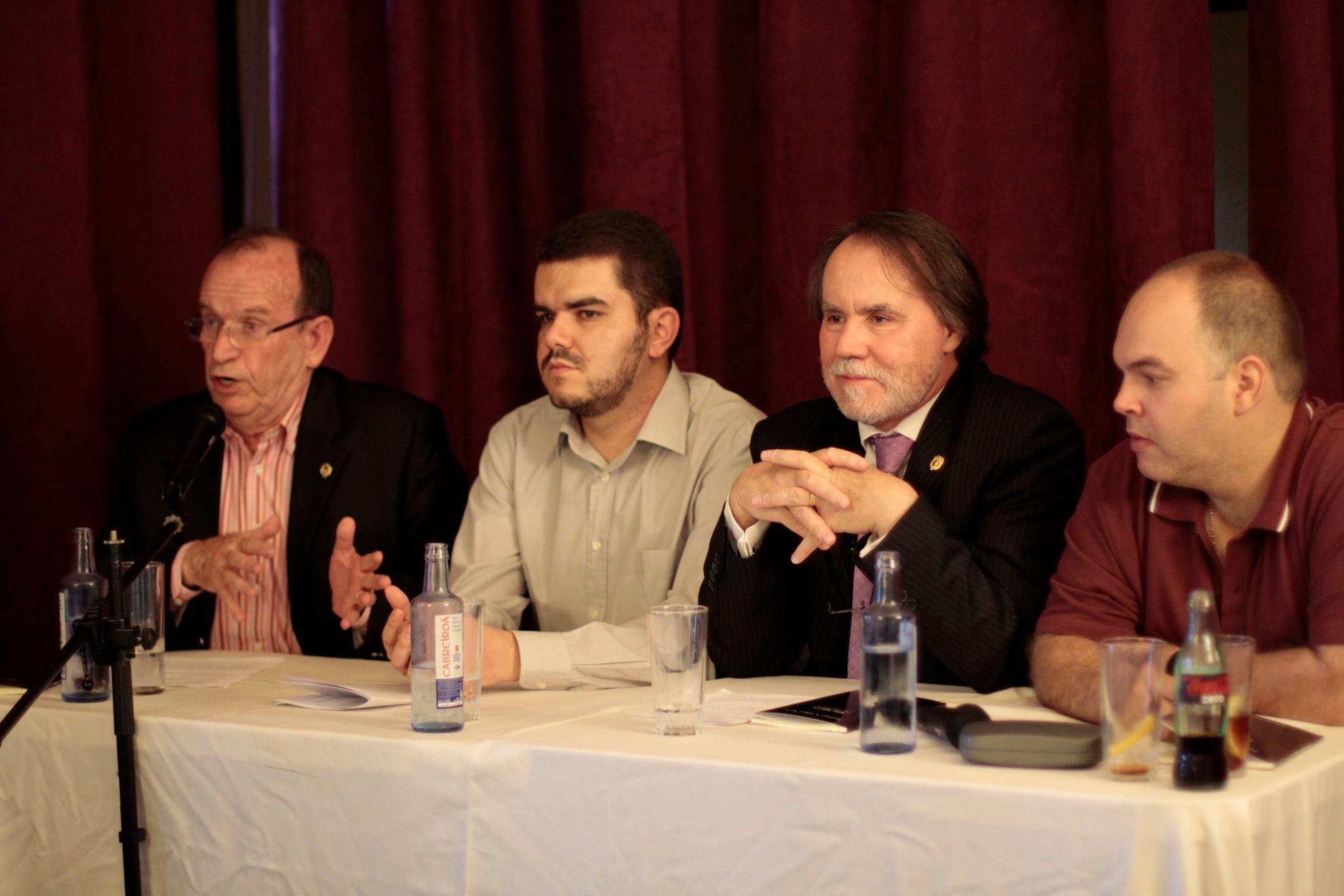 Con González Perez, López Navia y Caneiro